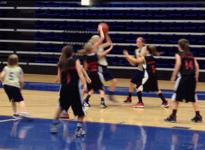 Team Elite Vs. The Fusion in forth grade girls action!